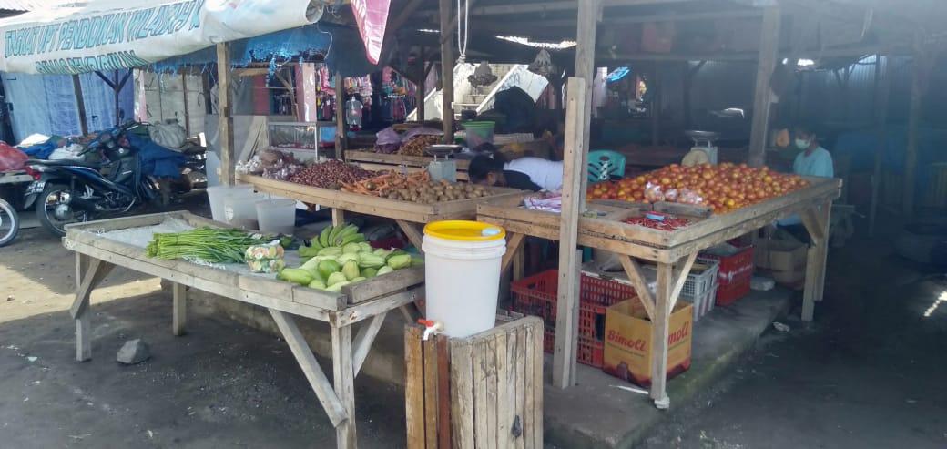 Media cuci tangan yang disiapkan oleh salah satu pedagang sayuran di Pasar Pada. (Foto Doc. Diskominfo Kab. Lembata)