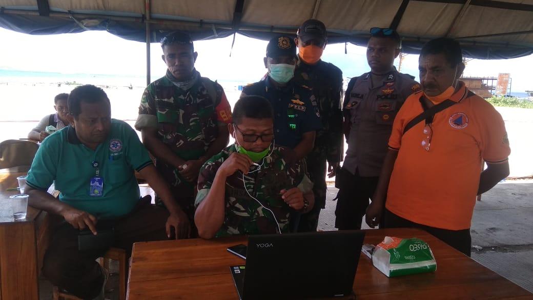 Laporan dari Posko Pelabuhan Lewoleba Melalui Video Teleconference. (Foto Dok. Diskominfo Kab. Lembata)